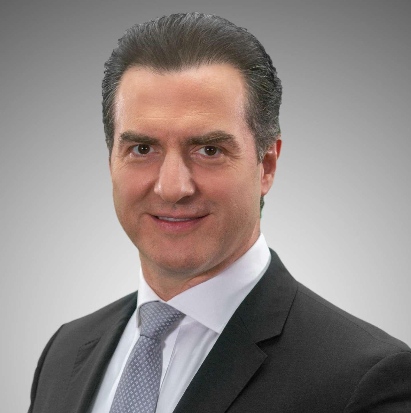 A sesenta días de las Elecciones, Adrián de la Garza amplía ventaja