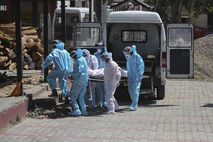 EUA y Europa darán ayuda urgente a la India, país que tiene 900 mil casos COVID en un día