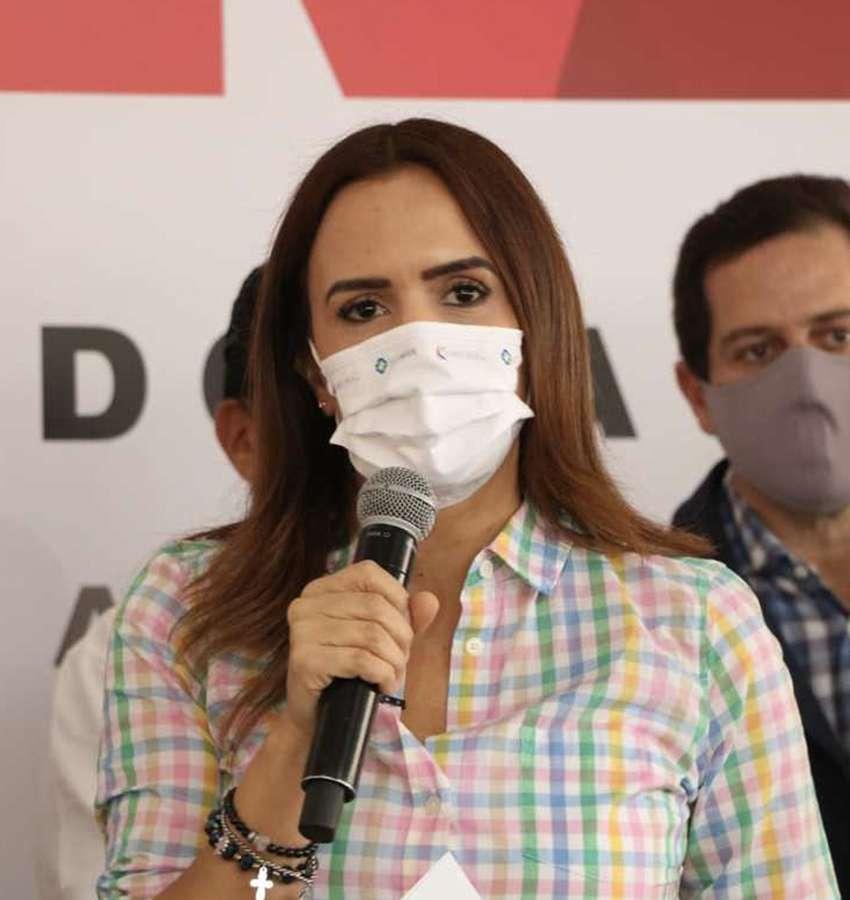 Anticipa Clara Luz ataque de Samuel García con tema de trasplante