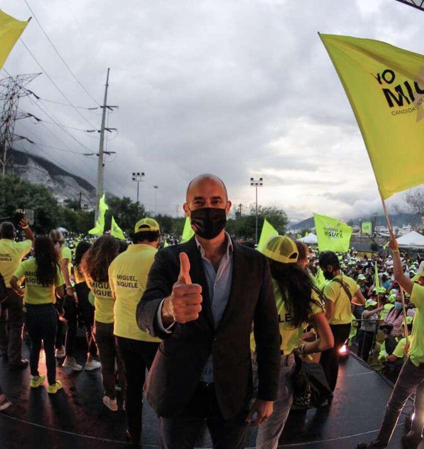 Miguel Treviño recibe gran apoyo en el cierre de campaña.