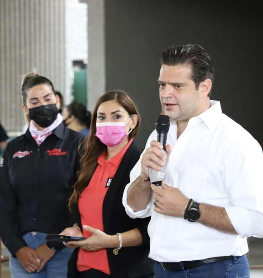 Presenta iniciativa de igualdad de género Paco Cienfuegos.