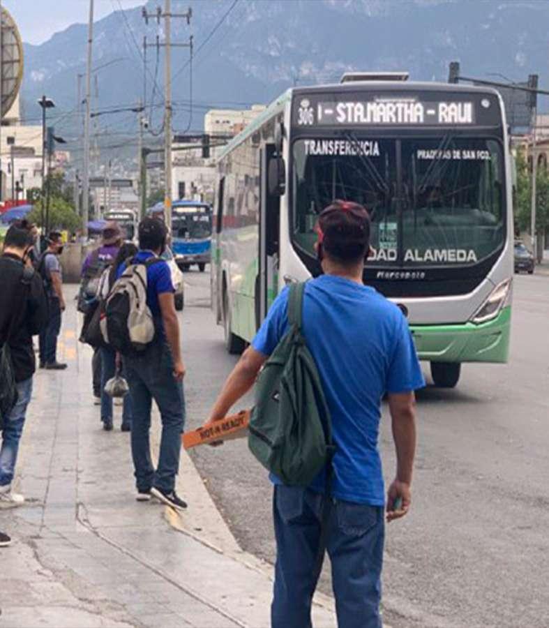 Renuncian choferes de rutas en Nuevo León