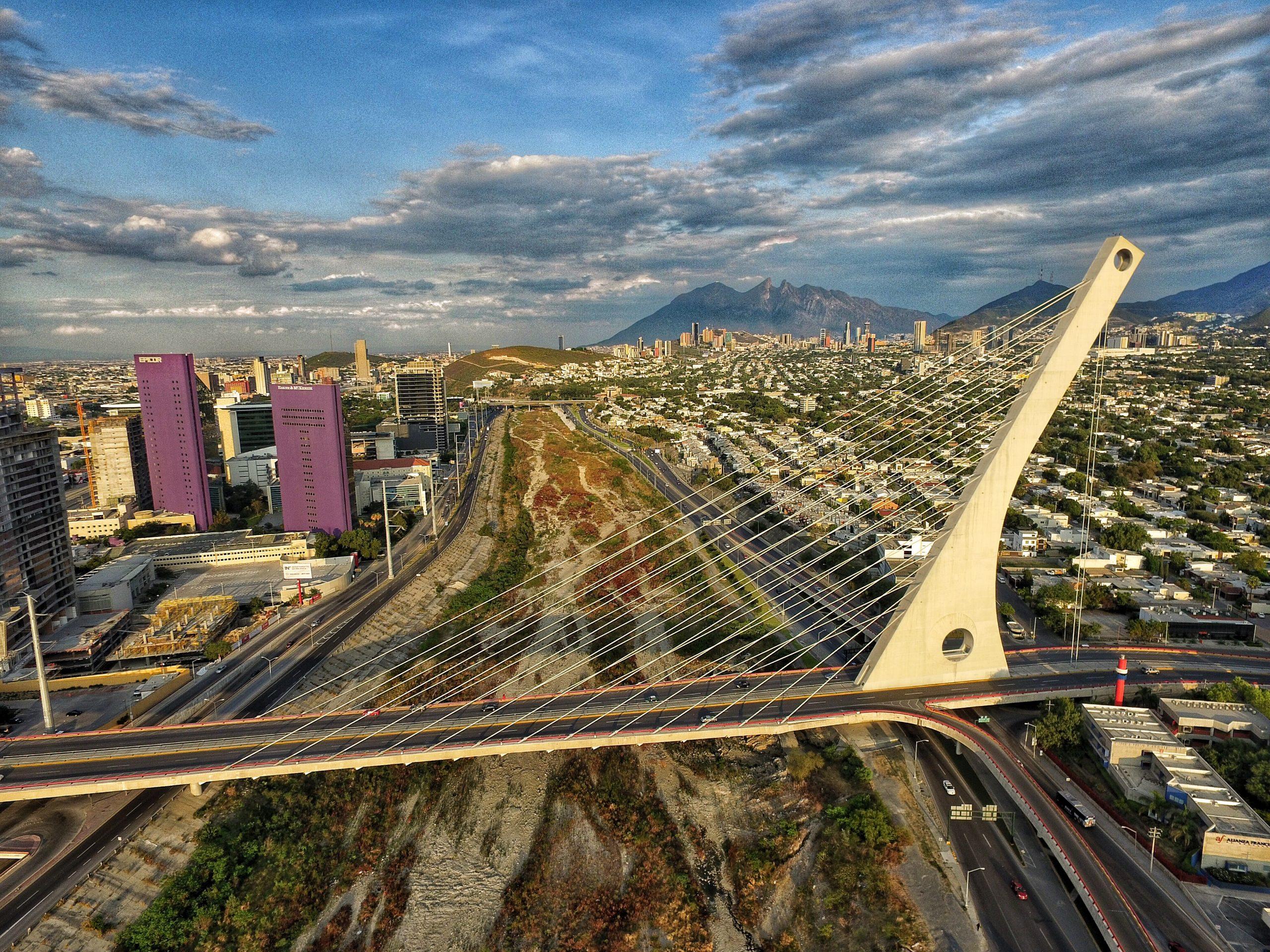 Piden reforzar tensores del Puente Atirantado