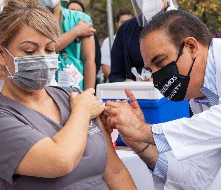 Monterrey, Guadalupe, Santiago y San Nicolás aún sin fecha para segunda dosis de vacuna contra Covid-19