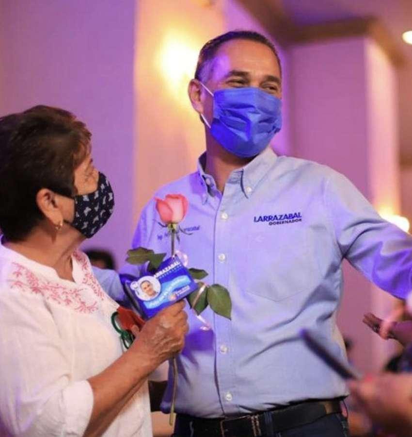 Organiza Larrazabal evento de Día de las Madres en NL