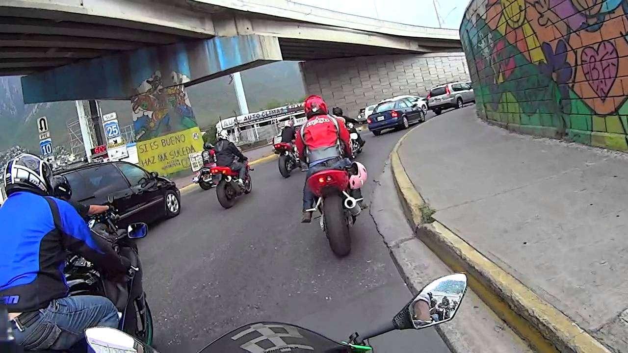 Aumento descontrolado de motociclistas en NL pone en peligro las calles de la ciudad