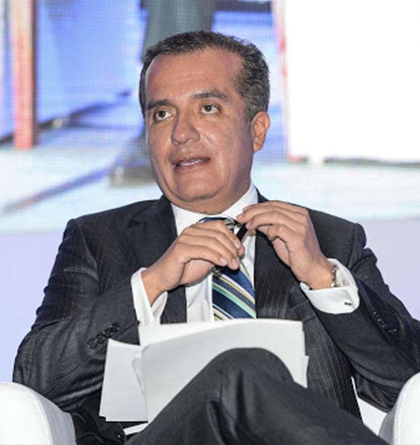 """""""La campaña de Adrián de la Garza no tiene nada de ilegal"""", afirma ex-presidente del IFE."""