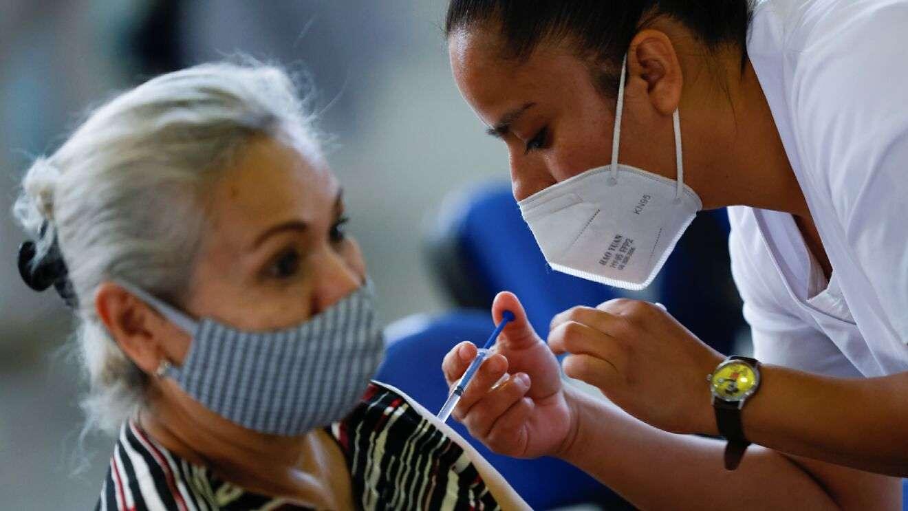 Vacunas fabricadas en planta contaminada de EU se enviaron a Canadá y México