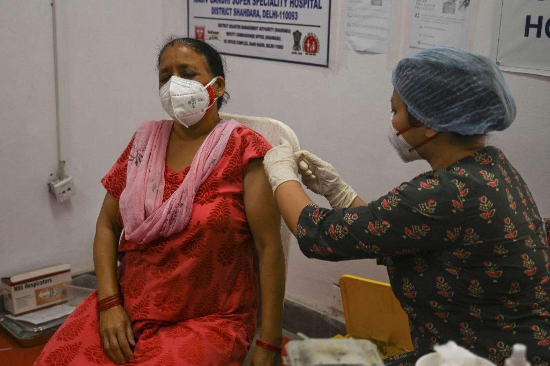 "OMS clasifica como ""preocupante"" a la variante India de COVID-19"