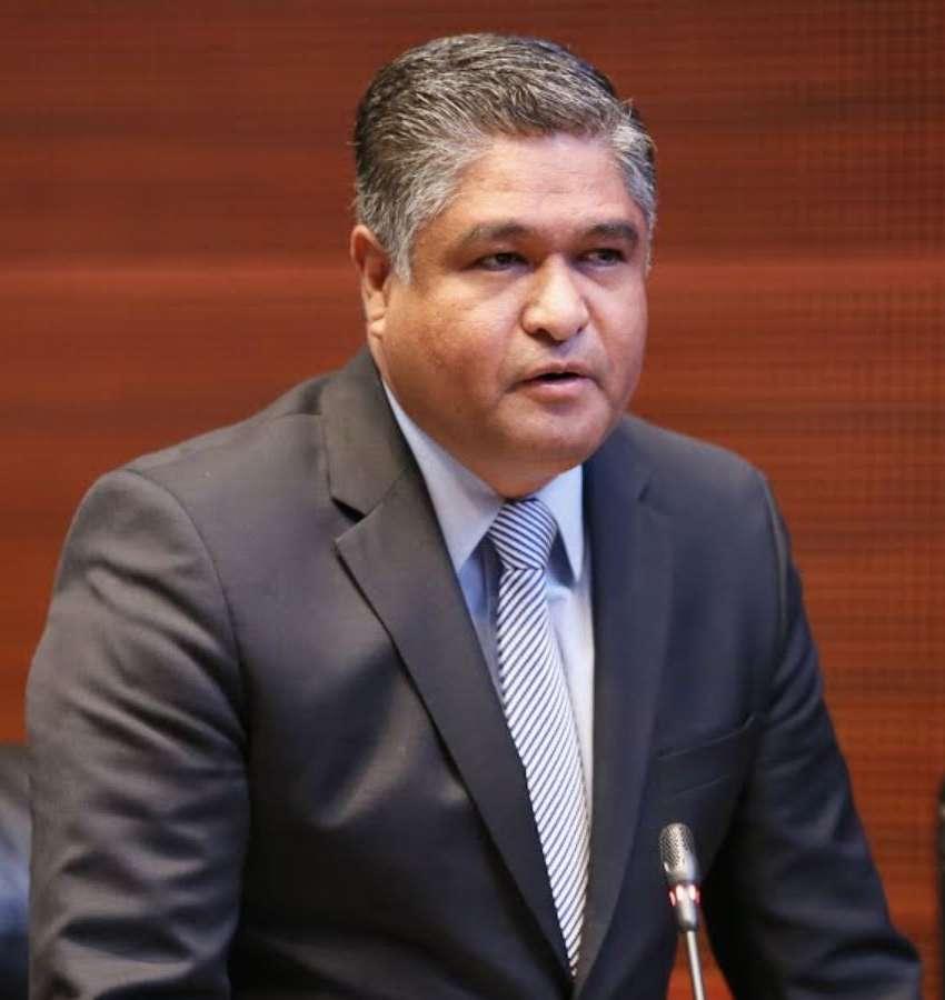 Renuncia Victor Fuentes a la contienda por la alcaldía de Monterrey
