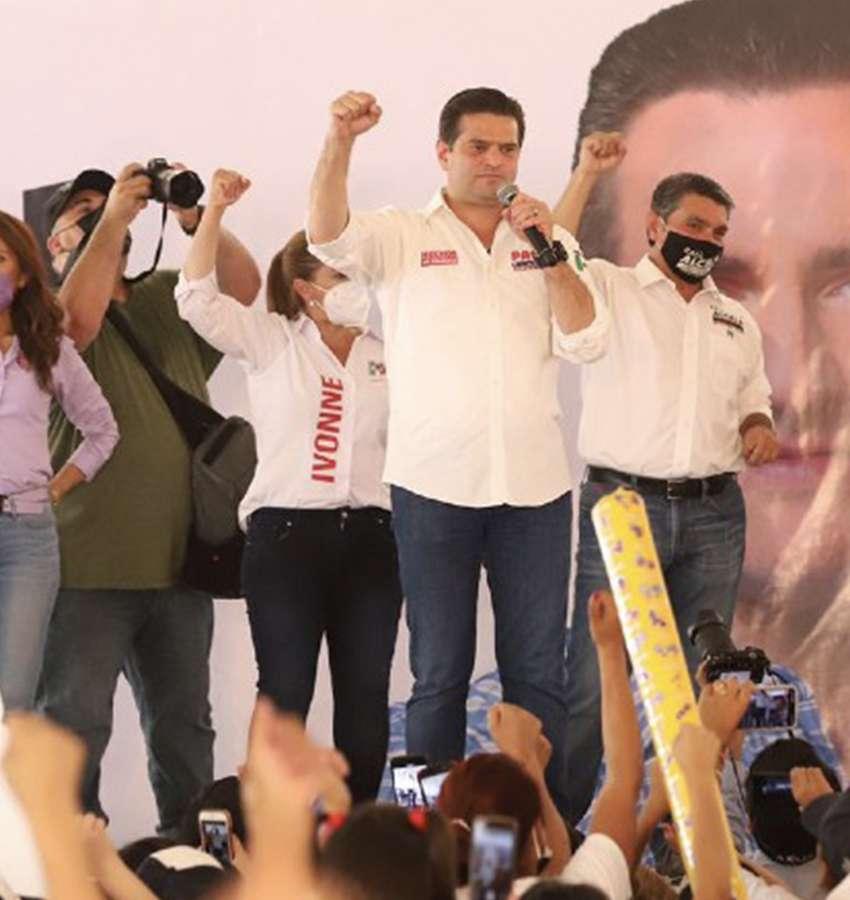 Bienvenido el que quiera trabajar por Monterrey, Francisco Cienfuegos.