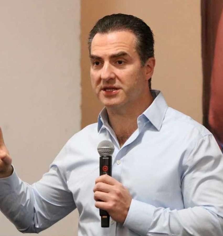 Advierte Adrián de la Garza de los riesgos de las intromisiones de AMLO en elecciones