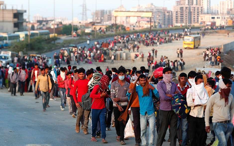 Cierran fronteras con India ante repunte de Covid-19