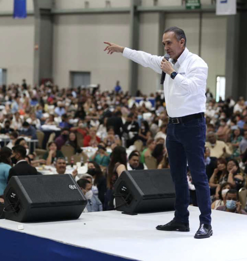 Larrazábal promete rehabilitar las aulas que se vieron afectadas en la pandemia.