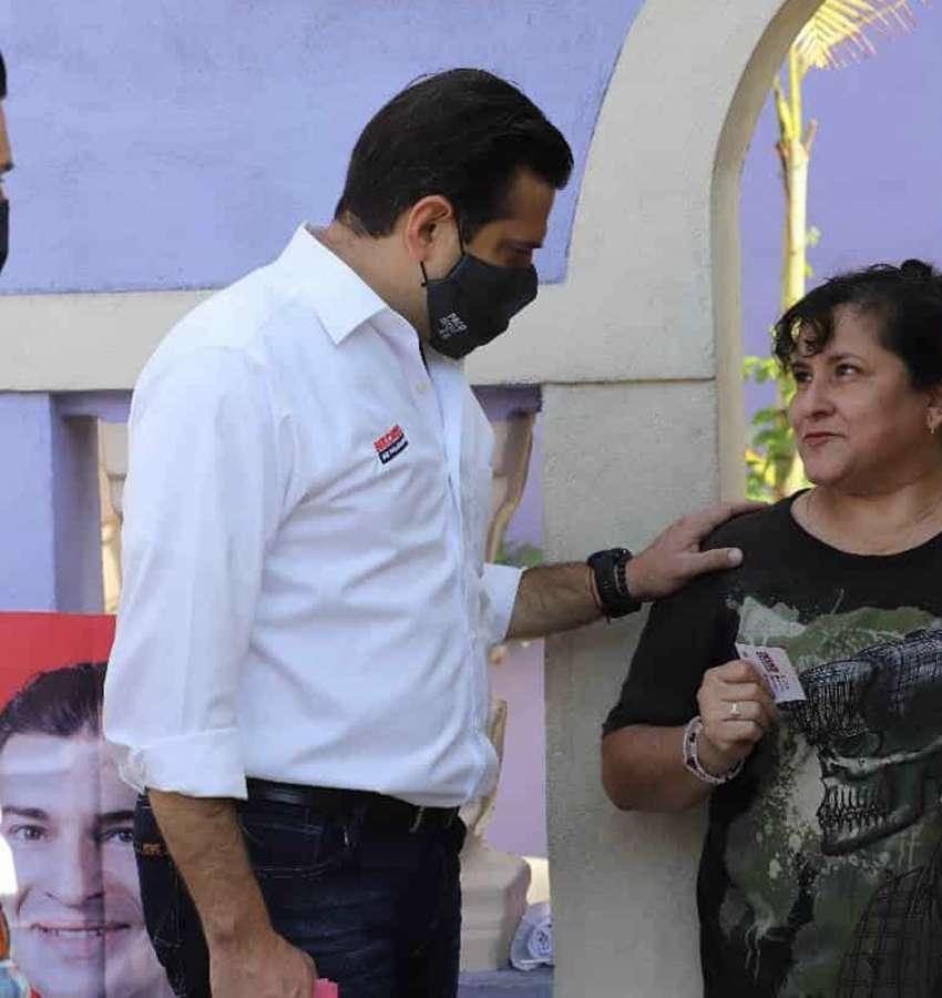 Electores de la capital de Nuevo León prefieren a Paco Cienfuegos.