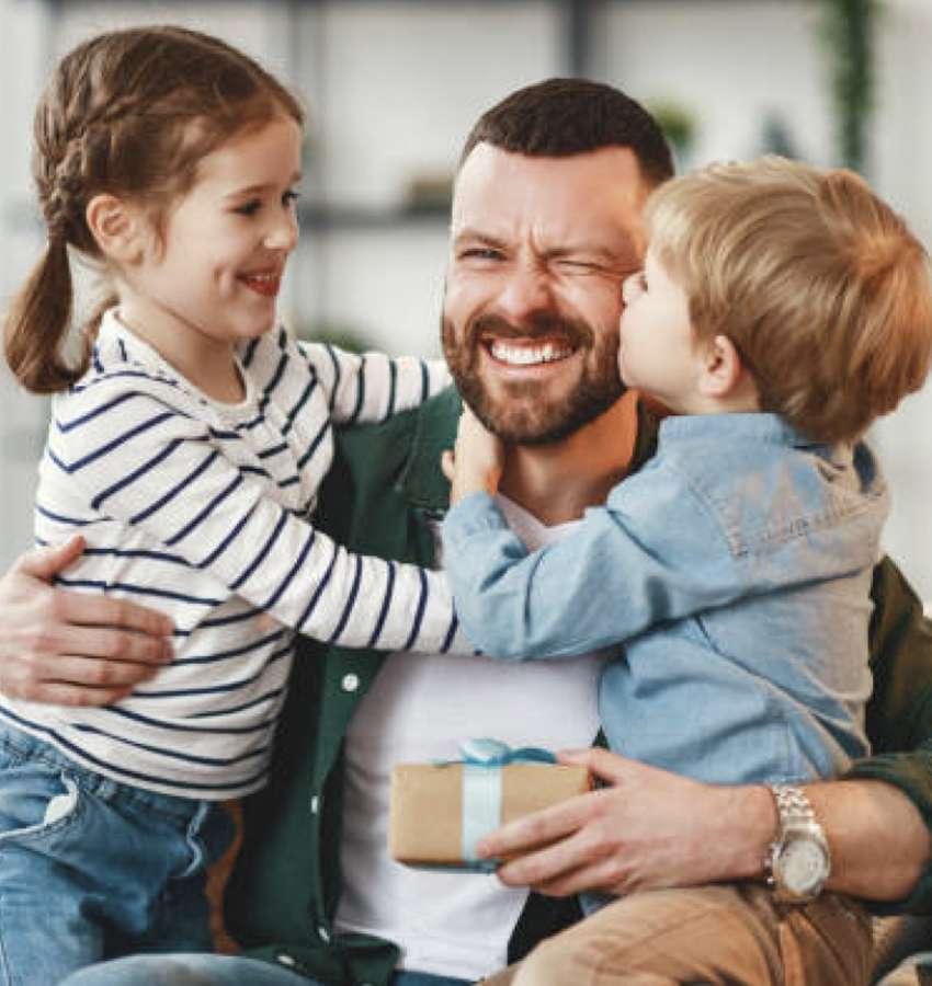 """""""Festejarán"""" a papás deudores este próximo Día del Padre."""
